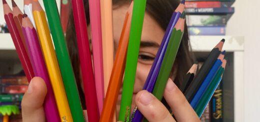 şcoala, creioane colorate, SOS satele copiilor